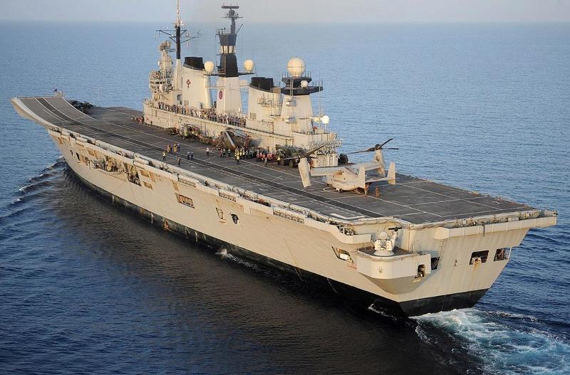 Aircraft Carriers (HMS Ark Royal & HMS Illustrious) - Page 4 Hms-il10