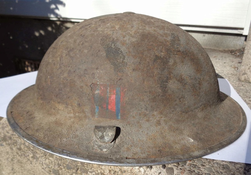 WW II Canadian Helmets - Page 4 Dsc02311