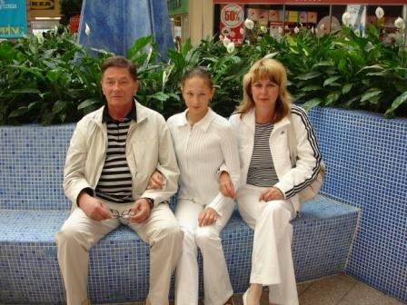 Les photos de gymnastes avec leur famille (soeur ,mère, père) X_59a410