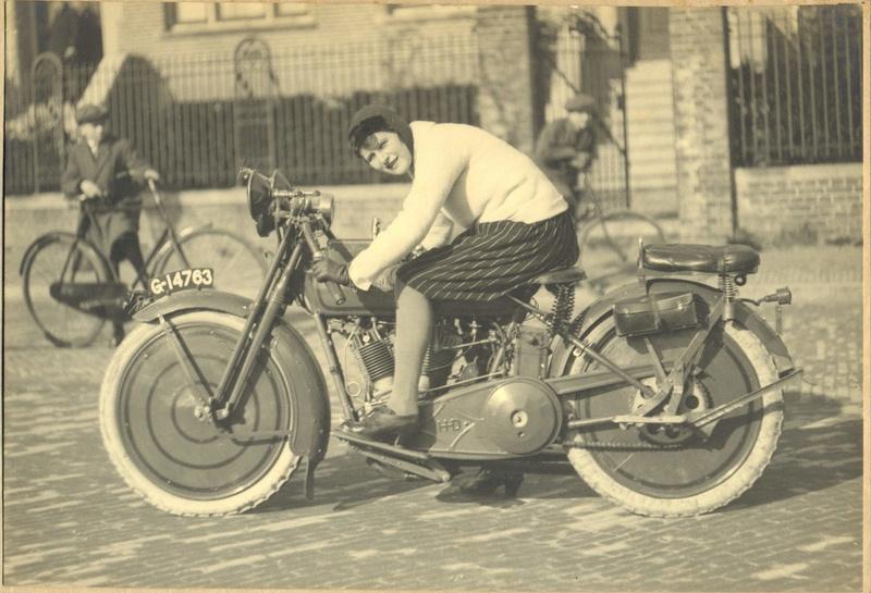 NOSTALGIA vieilles photos d'époque - Page 5 Harley12