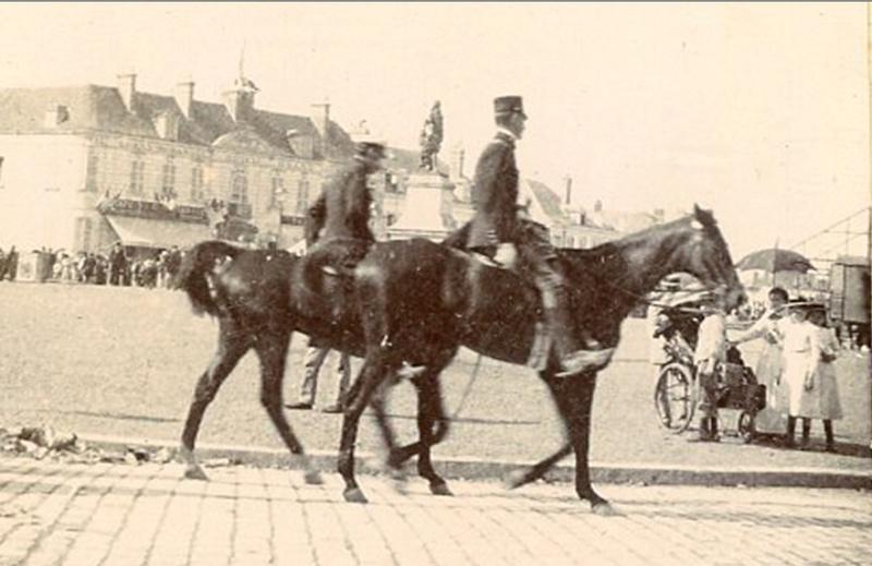 Les Grandes Manoeuvres de 1900 à CHARTRES Epars210