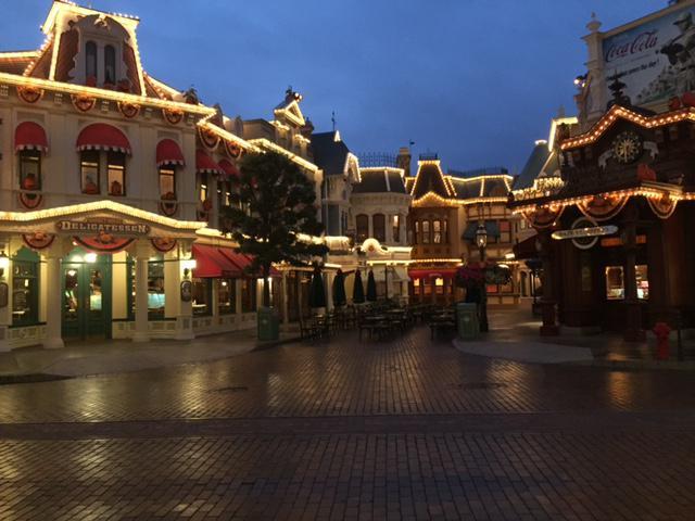 Rénovation de l'éclairage et des illuminations à Disneyland Paris Rim_li10