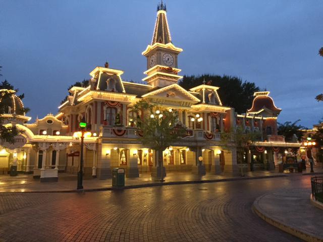 Rénovation de l'éclairage et des illuminations à Disneyland Paris Rim_li11