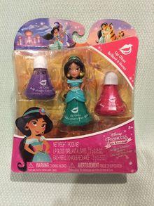 Figurines Little Kingdom (Hasbro) - Page 8 Findti10