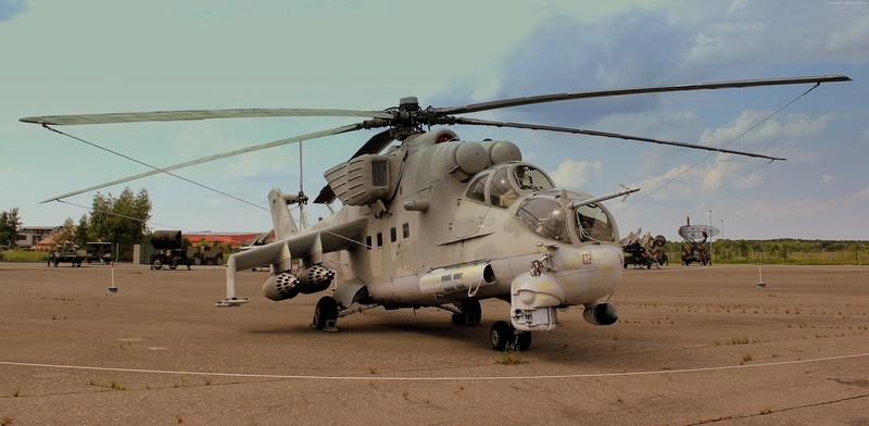 Mil mi 24 Hind D.  Revell 1/100 - Page 2 Mi-24-10