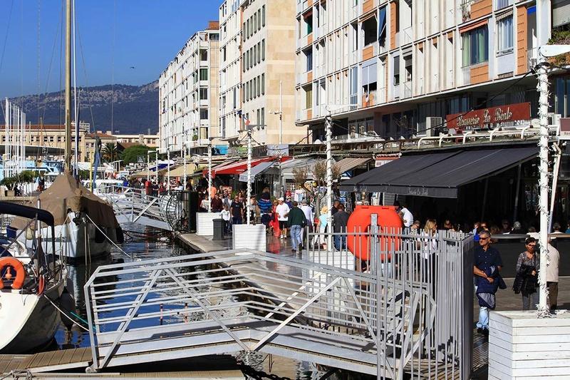 [Les Ports Militaires de Métropole] Visite de la rade de Toulon - Page 10 Img_6410