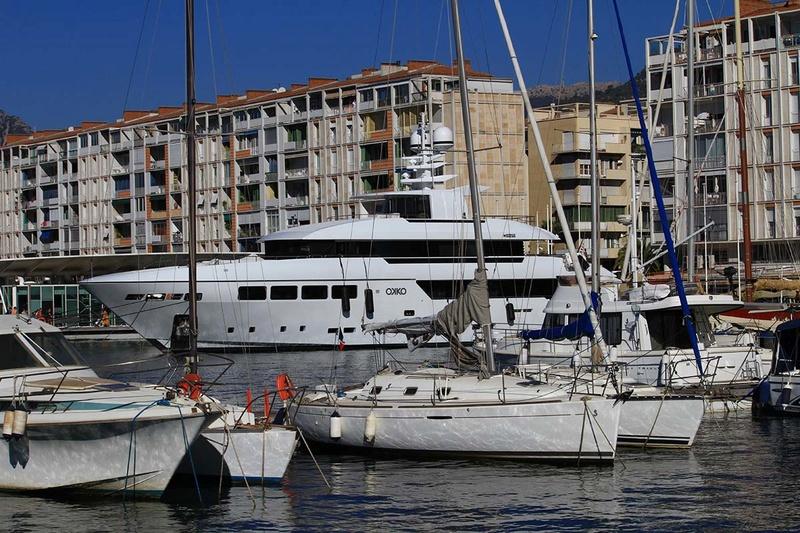 [Les Ports Militaires de Métropole] Visite de la rade de Toulon - Page 10 Img_6411
