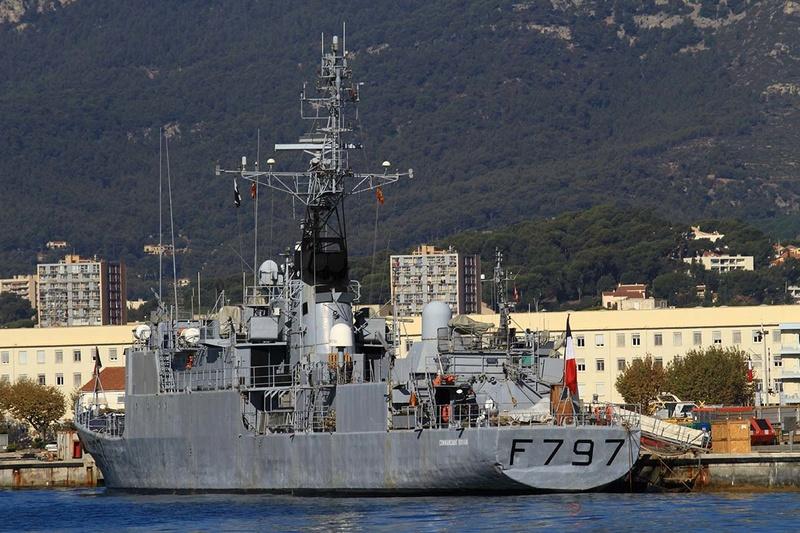 [Les Ports Militaires de Métropole] Visite de la rade de Toulon - Page 10 Img_6514