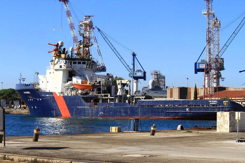 [Les Ports Militaires de Métropole] Visite de la rade de Toulon - Page 10 Img_6515