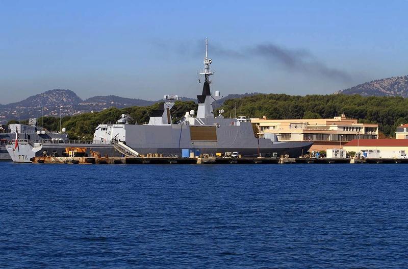 [Les Ports Militaires de Métropole] Visite de la rade de Toulon - Page 10 Img_6516