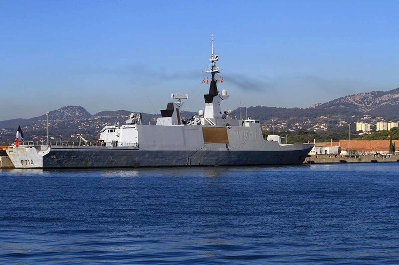 [Les Ports Militaires de Métropole] Visite de la rade de Toulon - Page 10 Img_6519