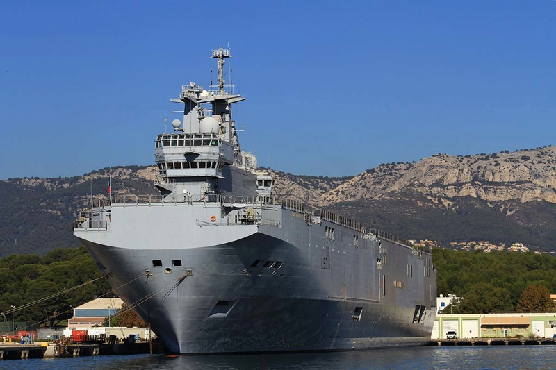 [Les Ports Militaires de Métropole] Visite de la rade de Toulon - Page 10 Img_6520