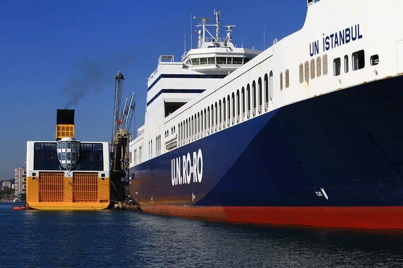 [Les Ports Militaires de Métropole] Visite de la rade de Toulon - Page 10 Img_6522