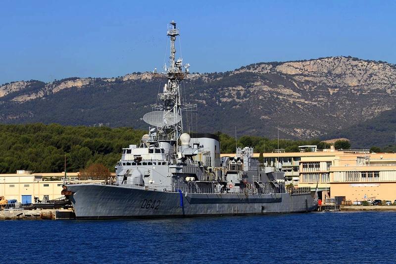 [Les Ports Militaires de Métropole] Visite de la rade de Toulon - Page 10 Img_6523
