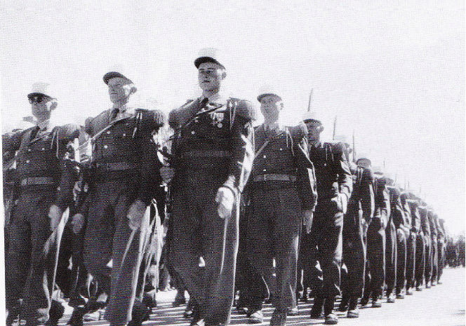 2e REI, défilé à Ain Sefra, 1960 Sans_t14