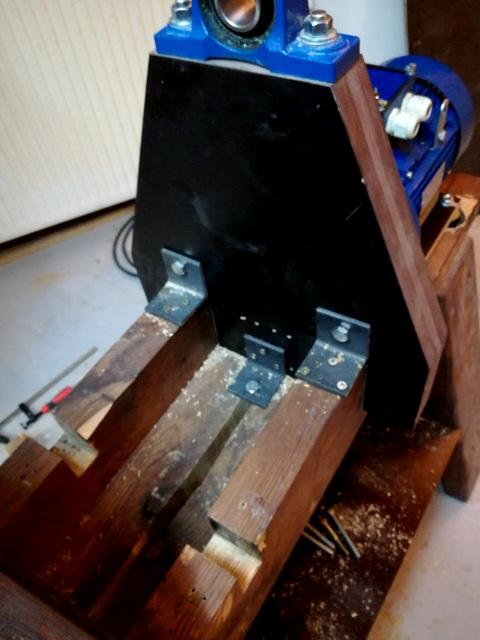 Réalisation de futs de batterie en bois tourné - Page 8 Img_2023
