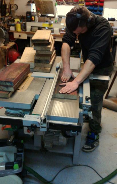 Réalisation de futs de batterie en bois tourné - Page 8 Img_2033