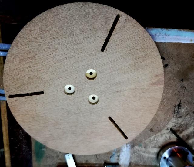 Réalisation de futs de batterie en bois tourné - Page 8 Img_2056