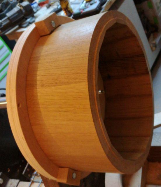 Réalisation de futs de batterie en bois tourné - Page 8 Img_2057