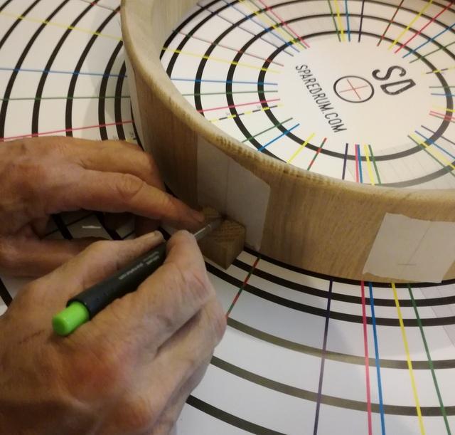 Réalisation de futs de batterie en bois tourné - Page 9 Img_2083