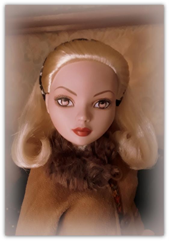 Mes poupées Ellowyne Wilde. De nouvelles photos postées régulièrement. - Page 20 20161217