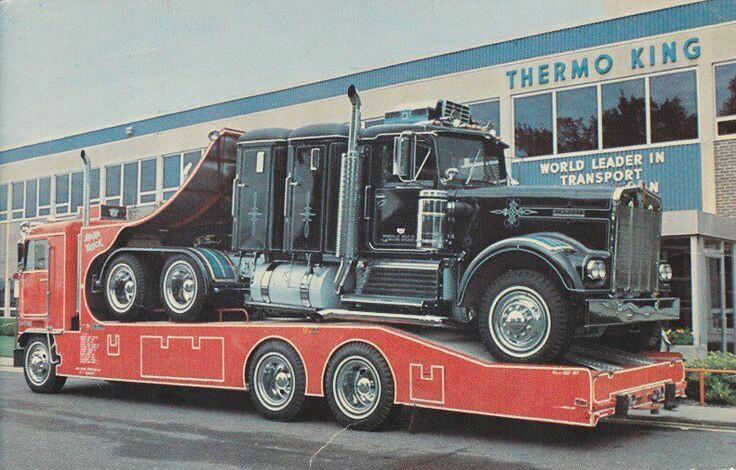 Pour les amateurs de Racing car haulers  3f217b10