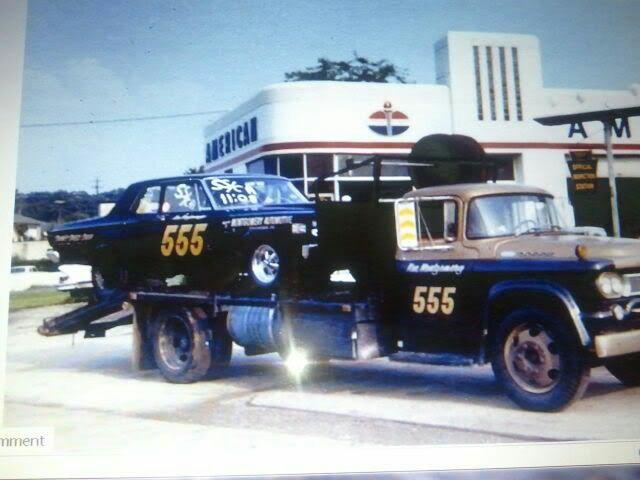 Pour les amateurs de Racing car haulers  6b385910