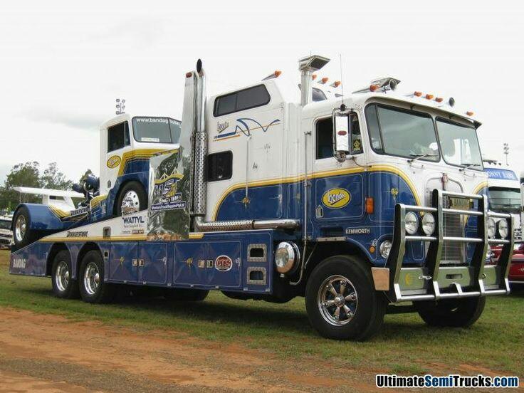 Pour les amateurs de Racing car haulers  B52bab10