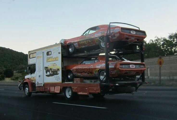 Pour les amateurs de Racing car haulers  C432d810