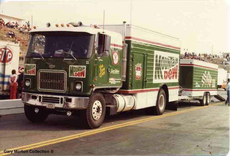 Pour les amateurs de Racing car haulers  C54f0d10