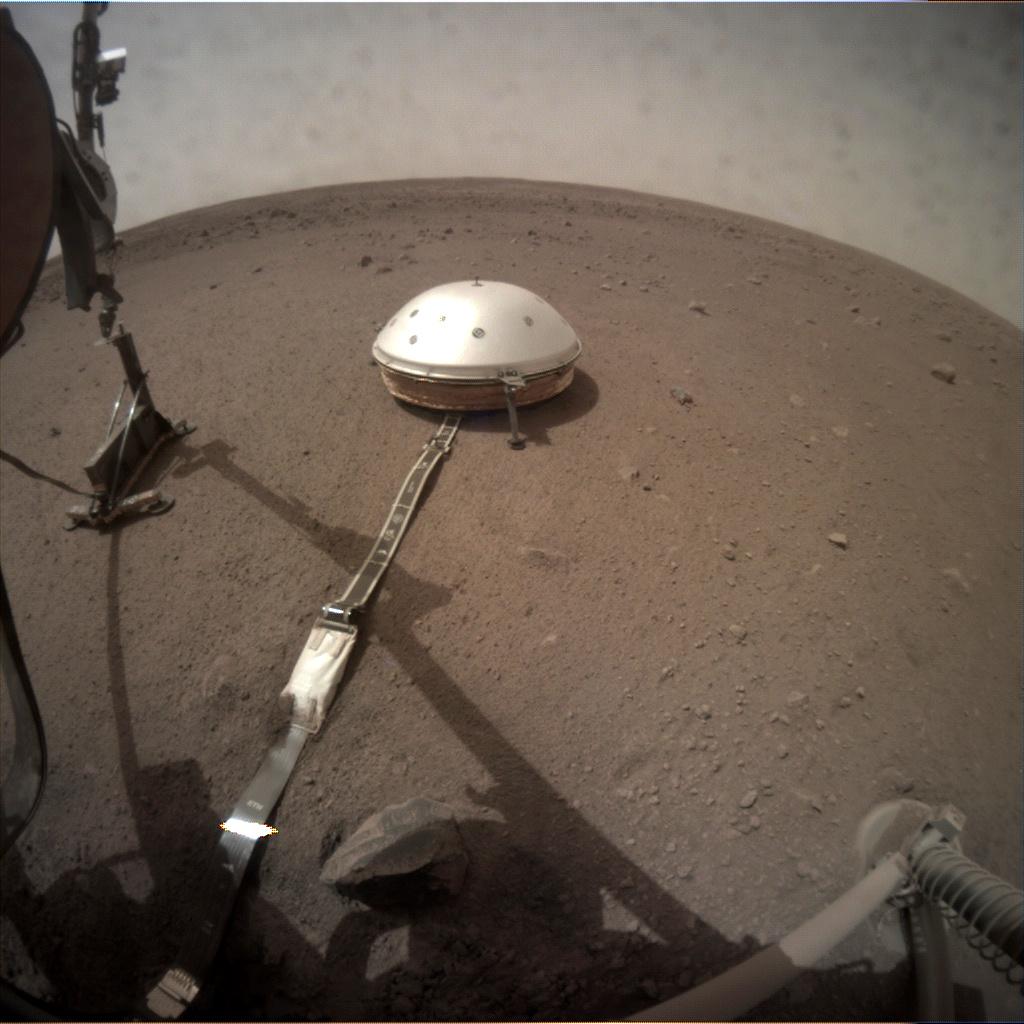 InSight - Mission d'exploration sur Mars - Page 17 C000m011