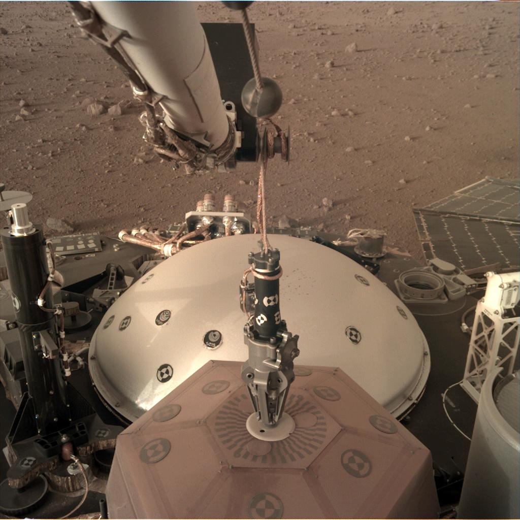 InSight - Mission d'exploration sur Mars - Page 12 D000m011