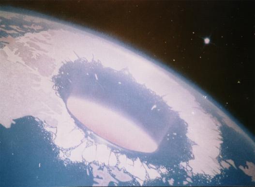 La Terre d'Eden et la Terre Intérieure 9ea0ol10