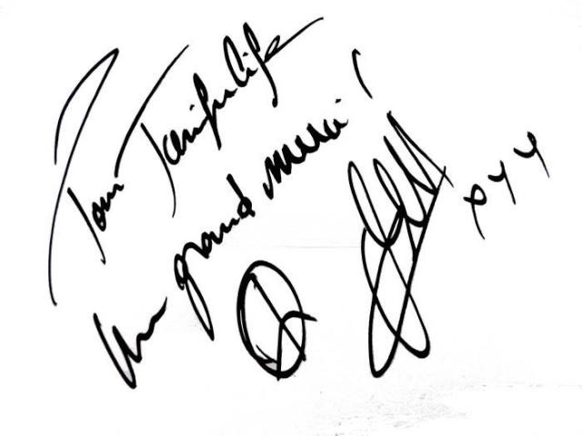 Les autographes de Jenifer pour le forum [news 2013] - Page 2 99856210