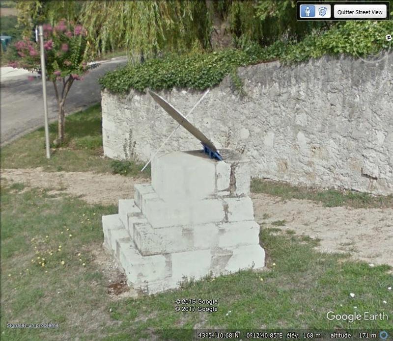 Les cadrans solaires découverts avec Google Earth - Page 2 Aaaab10