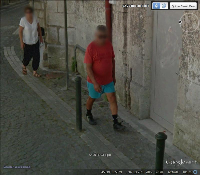 STREET VIEW : les gens en chaussettes noires ! - Page 22 H10