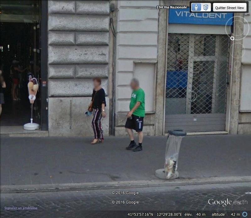 STREET VIEW : les gens en chaussettes noires ! - Page 22 O10