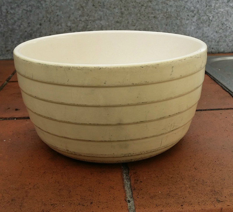 An interesting mixing bowl auction - for an English Ritemp cake mixer 20161213