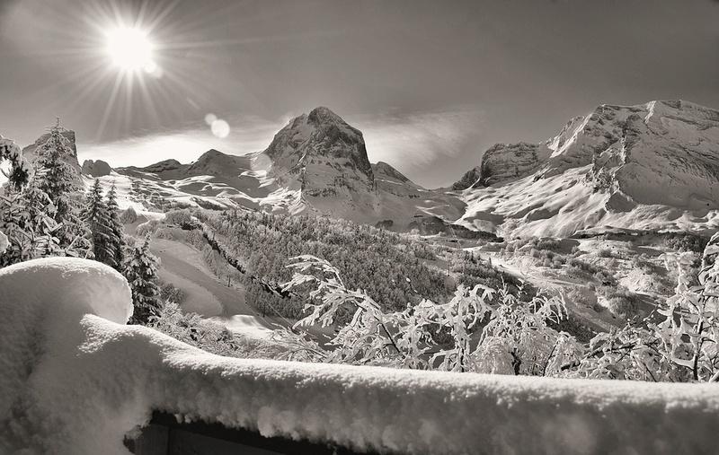 La neige en montagne ... - Page 2 Mounta10