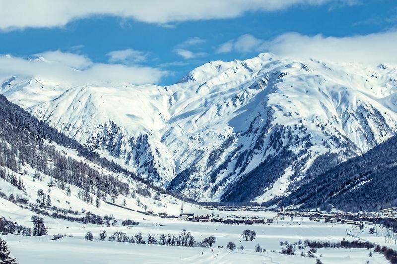La neige en montagne ... - Page 2 Mounta12