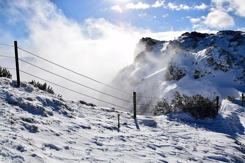 La neige en montagne ... - Page 2 Mounta17