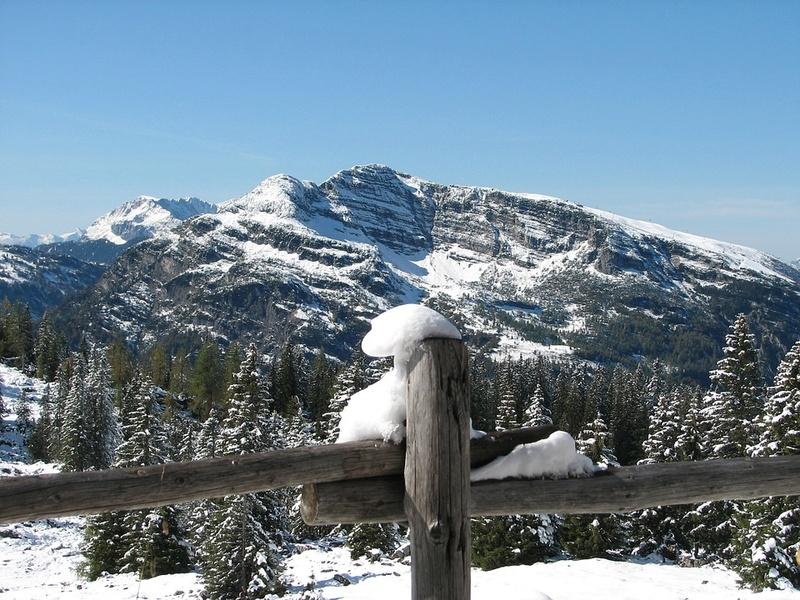 La neige en montagne ... - Page 2 Mounta18