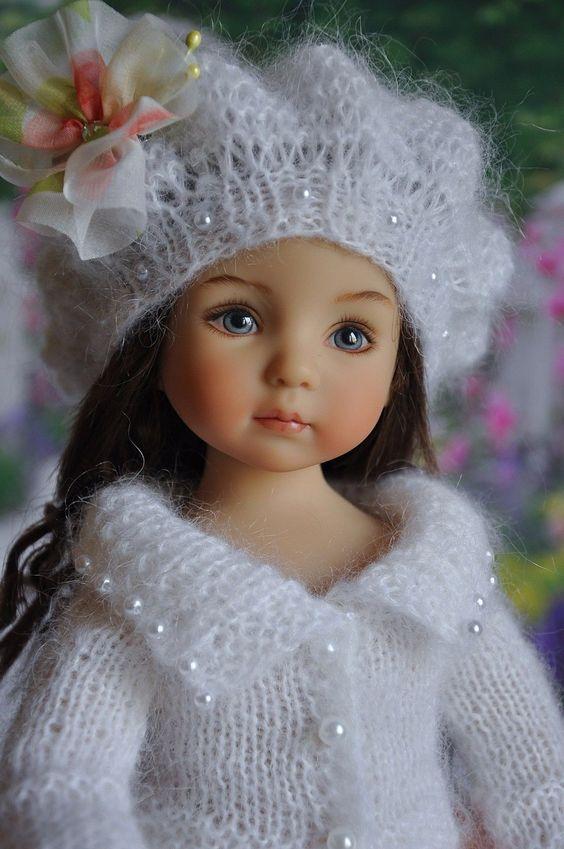 Des jolies poupées  - Page 3 Poup1010