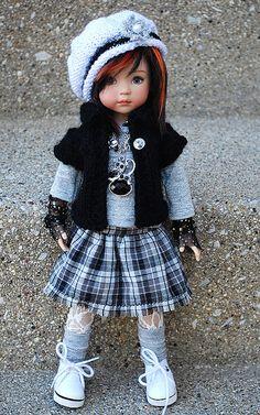 Des jolies poupées  - Page 3 Poup2110