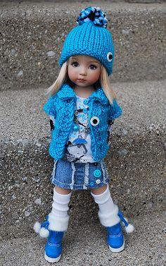 Des jolies poupées  - Page 3 Poup2210