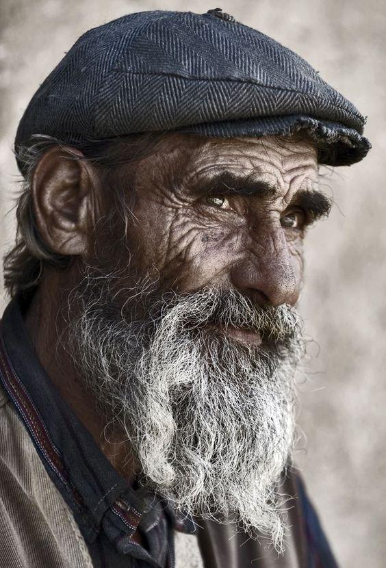 Les hommes âgés  Vieux810