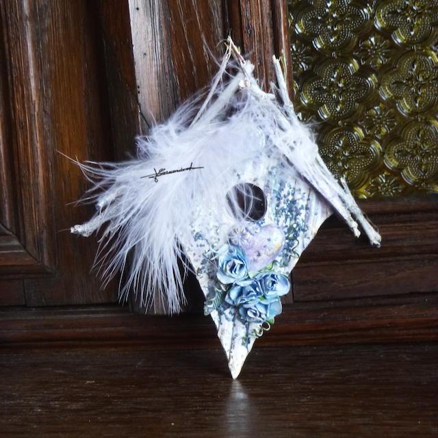 Un spécial Pâques : Maisons à oiseaux P1070345