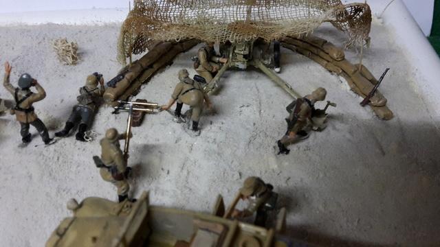 Batterie mixte : obusier FH18 et PAK40  Afrika corps 1942 au 1/72 03-02-16