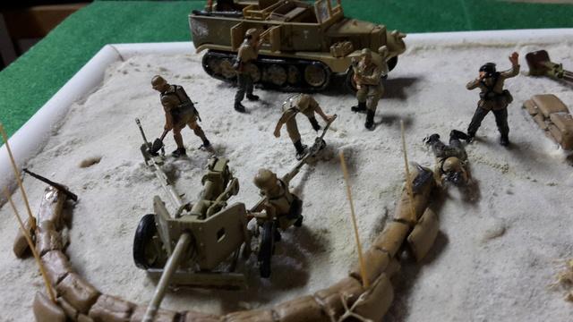 Batterie mixte : obusier FH18 et PAK40  Afrika corps 1942 au 1/72 03-02-17