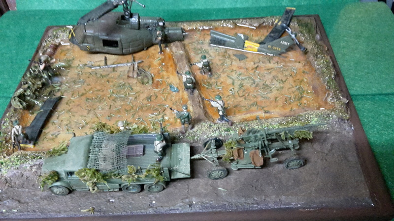 David vs Goliath- Vietnam 1960----HUEY UH-1 iroquois (en métal) + canon 40 mm Bofors et camion Praga RV  (Wrzesien) 1/72---FINI - Page 3 David_17